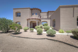 10909 PINO Avenue NE, Albuquerque, NM 87122