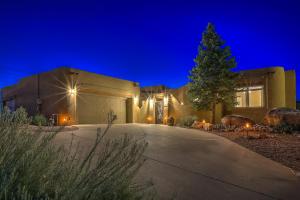 8210 INDIGO Court NE, Albuquerque, NM 87122