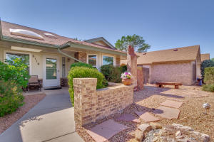 6116 THICKET Street NW, Albuquerque, NM 87120