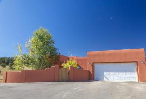 53 Las Colinas Road, Edgewood, NM 87015