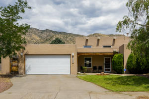 12924 PUNTA DE VISTA Place NE, Albuquerque, NM 87112