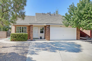 8000 FIELDSTONE Avenue NW, Albuquerque, NM 87120