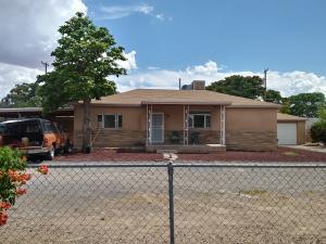 224 CAMINO CINCO Street SW, Albuquerque, NM 87105