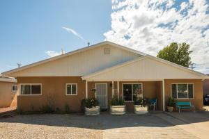 2808 TRUMAN Street NE, Albuquerque, NM 87110