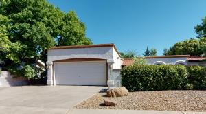 9303 Freedom Way NE, Albuquerque, NM 87111