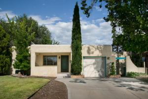 324 LAGUAYRA Drive NE, Albuquerque, NM 87108