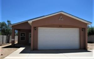 302 Tennessee Street NE, Albuquerque, NM 87108