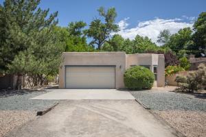 383 Priestly Road, Corrales, NM 87048