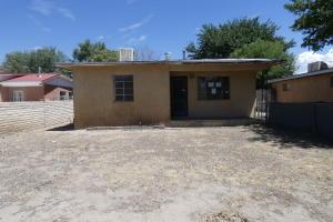 1643 HOOPER Road SW, Albuquerque, NM 87105