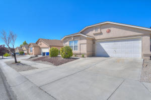 5728 Aida Road NW, Albuquerque, NM 87114