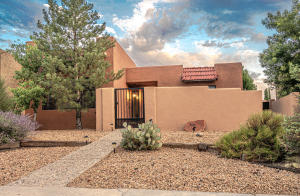 8702 SPAIN Road NE, Albuquerque, NM 87111
