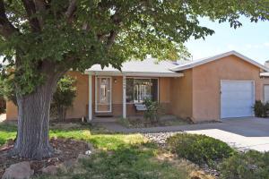 2942 LA VETA Drive NE, Albuquerque, NM 87110