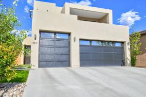 8812 Silver Oak Lane NE, Albuquerque, NM 87113