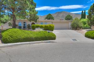 3100 Palo Alto Drive NE, Albuquerque, NM 87111