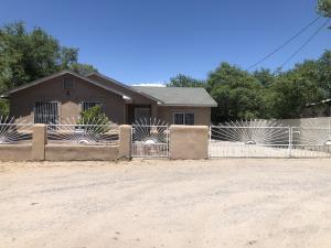 1653 HOOPER Road SW, Albuquerque, NM 87105