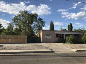 737 CALIFORNIA Street SE, Albuquerque, NM 87108