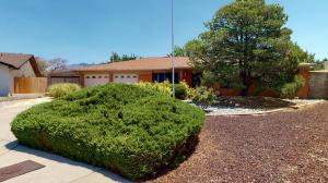 8524 MERRIMAC Court NE, Albuquerque, NM 87109