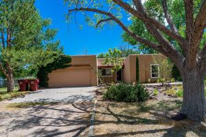 1035 CAMINO DE CHAVEZ Place, Bosque Farms, NM 87068