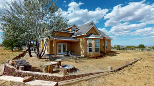 11 Weathersby Drive, Edgewood, NM 87015