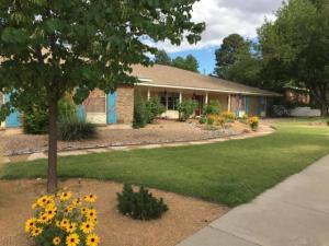 600 SIERRA Drive SE, Albuquerque, NM 87108
