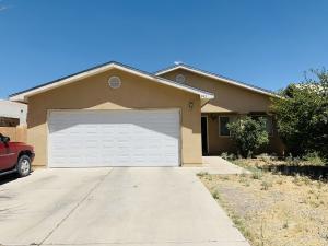 242 UTAH Street NE, Albuquerque, NM 87108