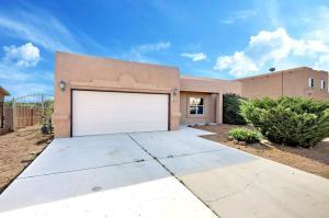 4612 DONA KATALINA Drive SW, Albuquerque, NM 87121