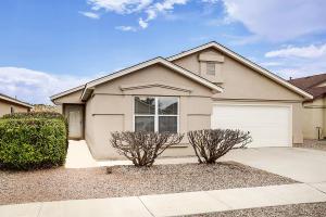 5708 CARMEN Road NW, Albuquerque, NM 87114