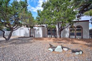 3109 CAMINO DE LA SIERRA NE, Albuquerque, NM 87111
