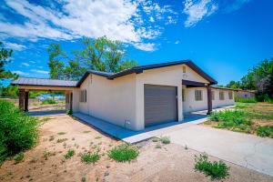 6910 Acequia Drive SW, Albuquerque, NM 87105