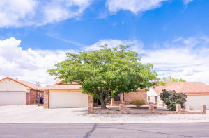 6925 SWEETBRIER Avenue NW, Albuquerque, NM 87120