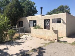 228 APPALOOSA Drive SE, Los Lunas, NM 87031