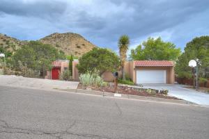 13608 CEDARBROOK Avenue NE, Albuquerque, NM 87111