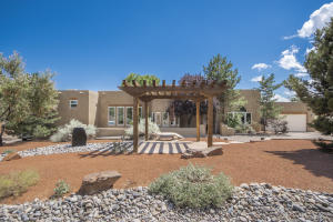 384 Ashley Lane, Corrales, NM 87048
