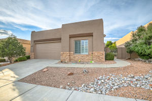 8905 DESERT FOX Way NE, Albuquerque, NM 87122