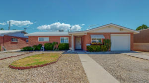1408 KENTUCKY Street NE, Albuquerque, NM 87110