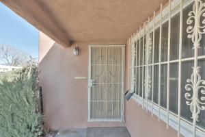 9904 MESA ARRIBA Avenue NE, Albuquerque, NM 87111