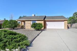 541 Longwood Drive NE, Rio Rancho, NM 87124