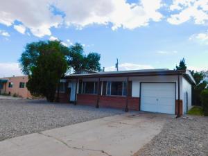 1002 CALLE KATARINA, Santa Fe, NM 87507