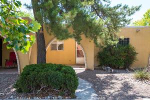 1300 GRANDE Boulevard SE, Rio Rancho, NM 87124