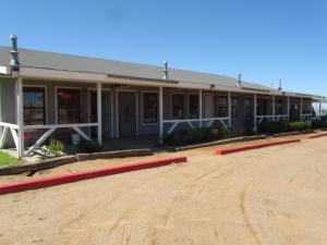 738 Meadowlake Road, Los Lunas, NM 87031