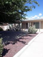 2708 MANZANO Street NE, Albuquerque, NM 87110