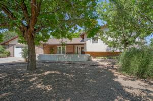 4012 Ivylawn Court NW, Albuquerque, NM 87107