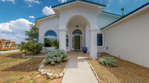 1 Hilltop Road, Edgewood, NM 87015