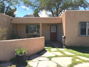 711 TRUMAN Street SE, Albuquerque, NM 87108