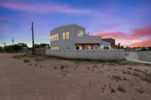 2100 San Venito Place NW, Albuquerque, NM 87104