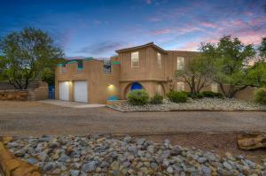 6305 Acacia Street NW, Albuquerque, NM 87120