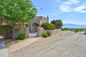 190 Nicky Lane, Corrales, NM 87048