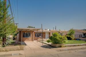 3607 HEADINGLY Avenue NE, Albuquerque, NM 87110