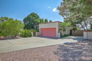 3001 TOREADOR Drive NE, Albuquerque, NM 87111