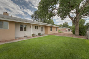 1935 Eldorado Loop, Bosque Farms, NM 87068